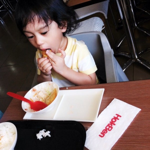 Photo taken at HokBen by Gaby S. on 8/20/2014