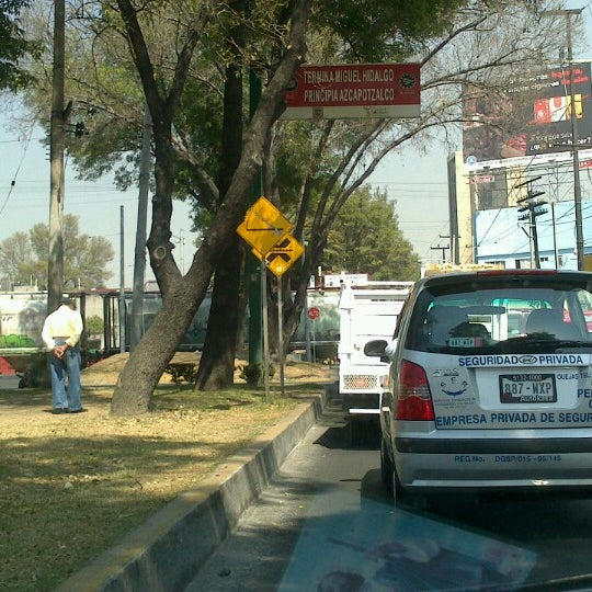 Photo taken at Avenida Cuitláhuac by Zucaro O. on 2/14/2013
