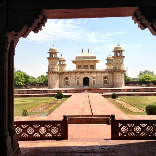 Where's Good? Holiday and vacation recommendations for Agra, India. What's good to see, when's good to go and how's best to get there.