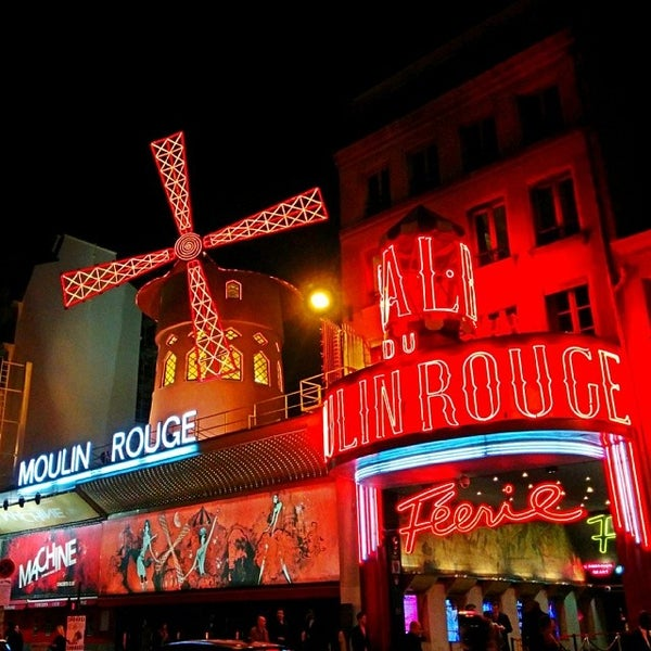 Photo taken at Moulin Rouge by Jonathan C. on 3/14/2014