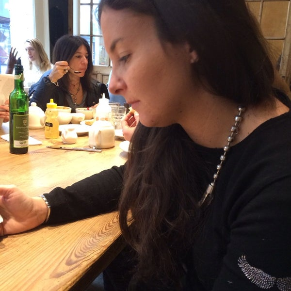 Photo taken at Le Pain Quotidien by Isabella C. on 2/8/2014