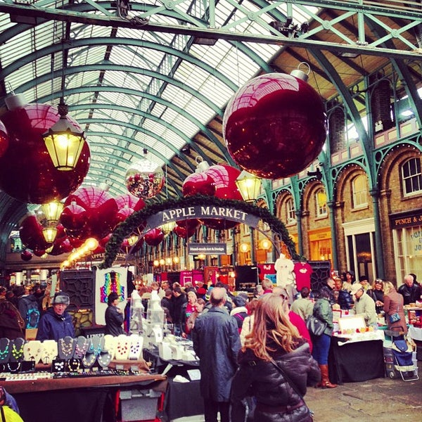 Photo taken at Covent Garden Market by Matteo D. on 11/3/2012