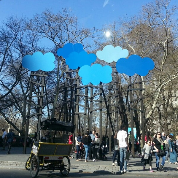 Photo taken at Grand Army Plaza by Gabriel B. on 4/12/2014