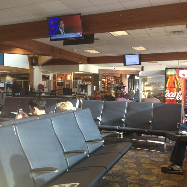 Photo taken at Aspen/Pitkin County Airport (ASE) by Кэт Б. on 12/22/2012