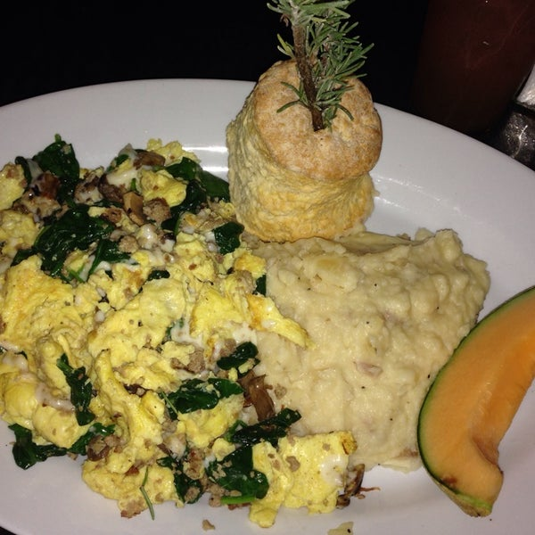 Photo taken at Hash House a Go Go by Sugar B. on 2/16/2014