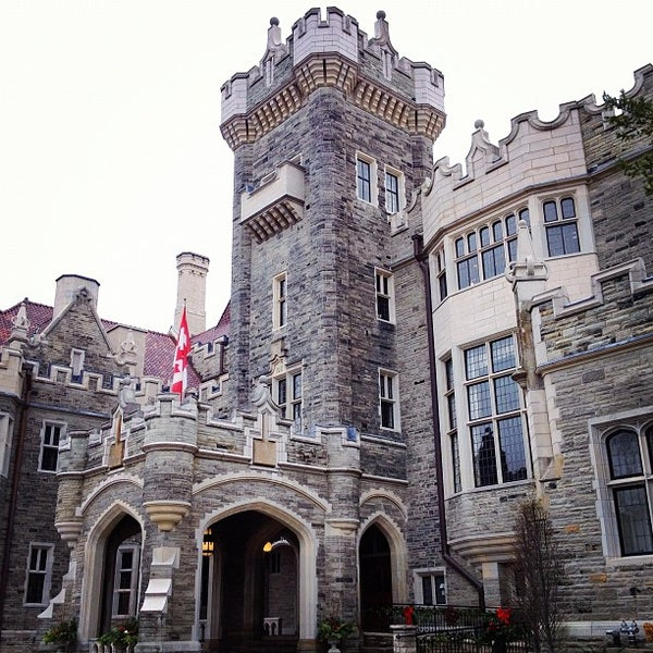 Photo taken at Casa Loma by Ivan H. on 12/3/2012