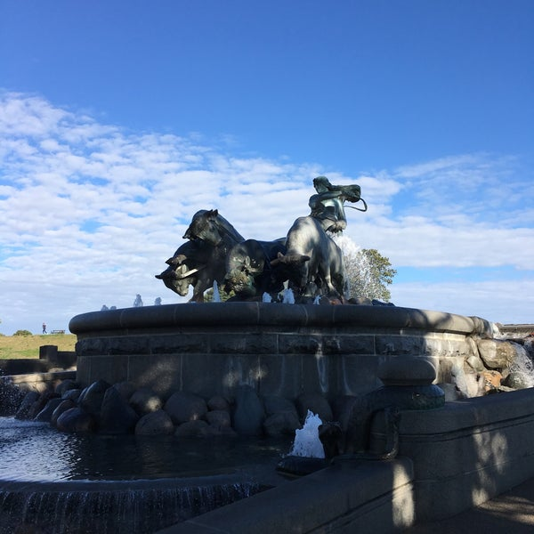 Photo taken at Gefionspringvandet (Gefion Fountain) by Duke on 9/18/2016