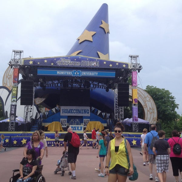 Photo taken at Disney's Hollywood Studios by Cecy V. on 7/2/2013