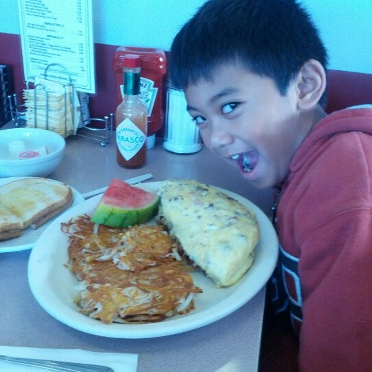 Photo taken at Mil's Diner by Ramel F. on 12/31/2012