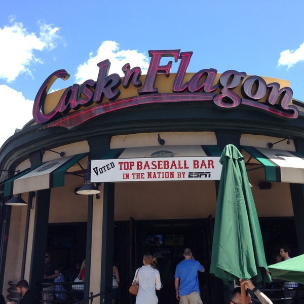 Photo taken at Cask 'n Flagon by William G. on 6/9/2013