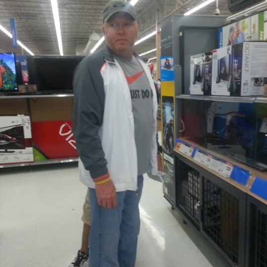 Photo taken at Walmart Supercenter by Carrie B. on 11/17/2012