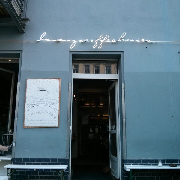 Photo taken at Bonanza Coffee by Razan S. on 6/12/2013
