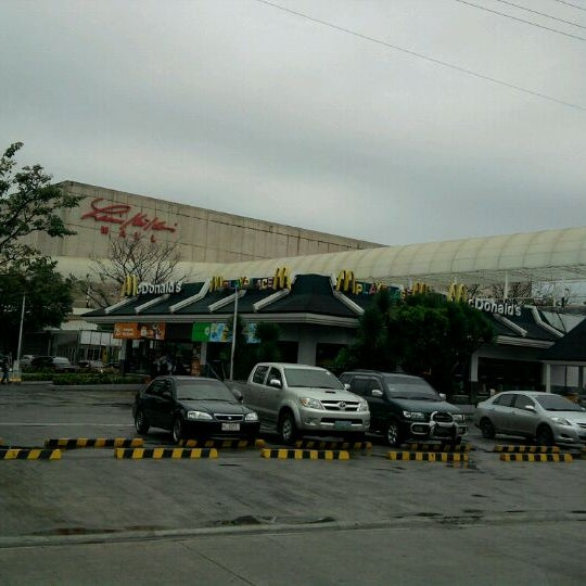 Photo taken at Limketkai Center by Pio R. on 3/5/2011