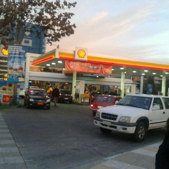 Photo taken at Shell by Felipe M. on 5/28/2012