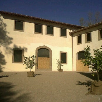 Photo taken at Villa di granaiolo by Nermin K. on 10/16/2011