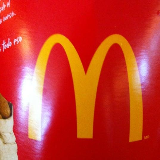 Photo taken at McDonald's by Edmundo G. on 7/16/2012
