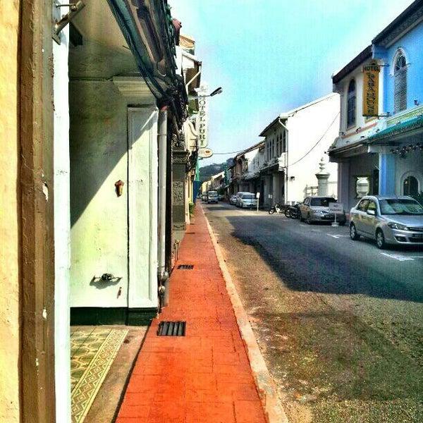 Photo taken at Hotel Puri by DinoBamBino™ on 10/1/2014