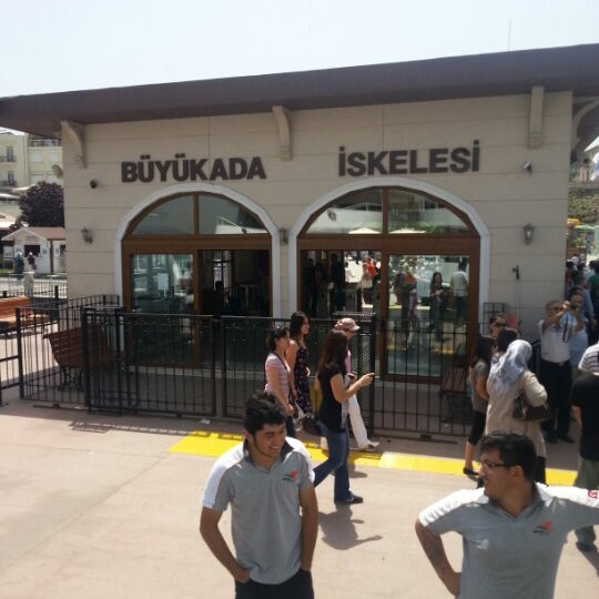 Photo taken at Büyükada Mavi Marmara Motor İskelesi by Aşkım T. on 5/21/2013
