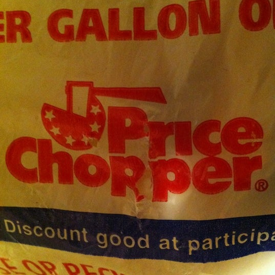 Photo taken at Price Chopper by Sande F. on 11/24/2012