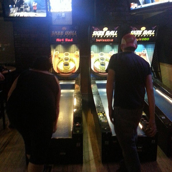 Photo taken at Winking Lizard Tavern by Dave F. on 7/10/2013