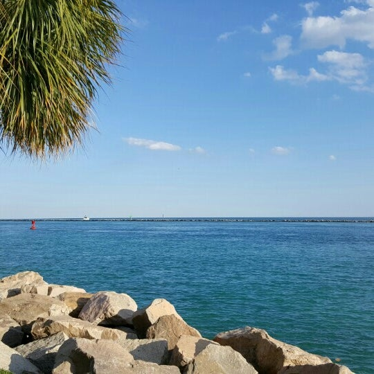 Photo taken at South Pointe Pier by Gary M. on 5/5/2016