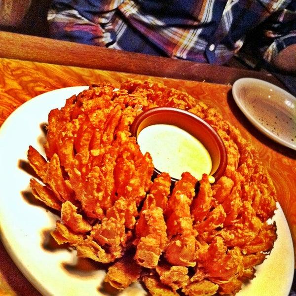 Foto tirada no(a) Outback Steakhouse por Carolina F. em 1/26/2013