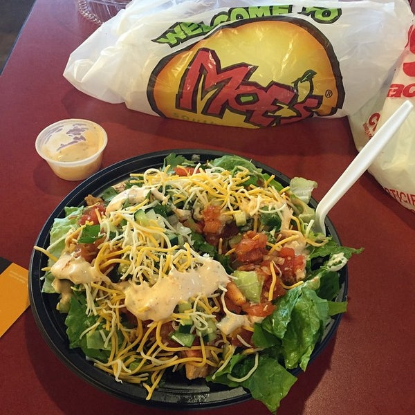 Photo taken at Moe's Southwest Grill by Angel X on 3/2/2015