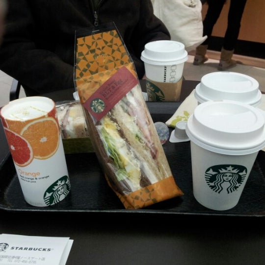 Photo taken at Starbucks Coffee 関西国際空港エアサイド店 by Eleazar F. on 1/6/2013