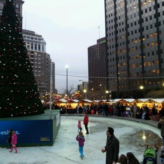 Das Foto wurde bei Christmas Village von Leanne R. am 12/1/2012 aufgenommen
