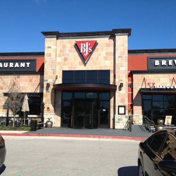 Bj 39 s restaurant and brewhouse american restaurant in austin for American cuisine austin