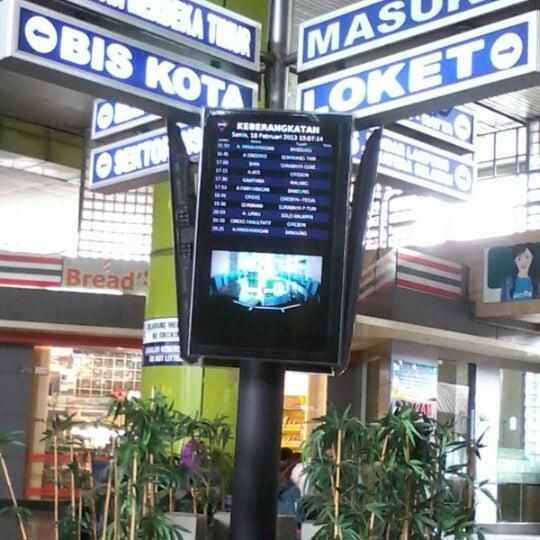 Photo taken at Stasiun Gambir by Regina A. on 2/18/2013