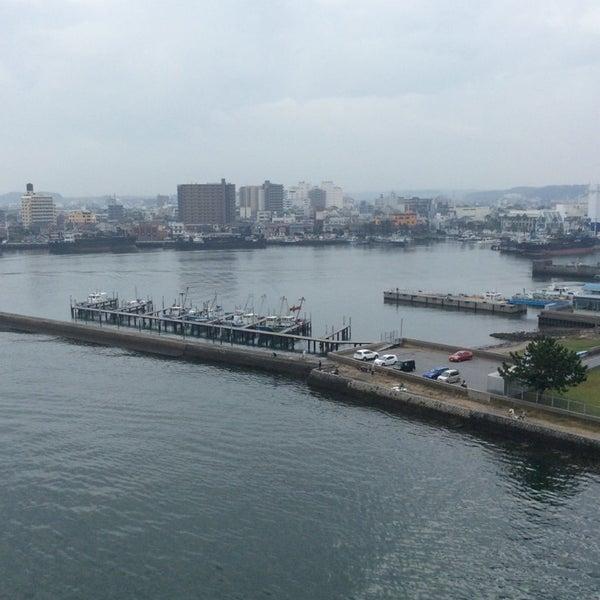 Photo taken at 中の島大橋 by Yutaka I. on 10/26/2014