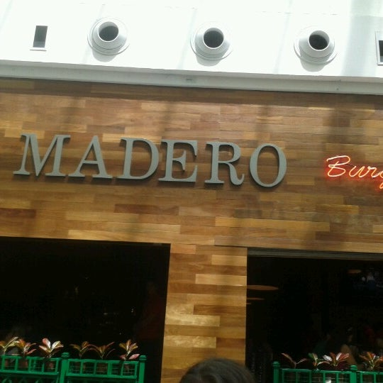 Photo taken at Madero Burger & Grill by Julice F. on 3/3/2013