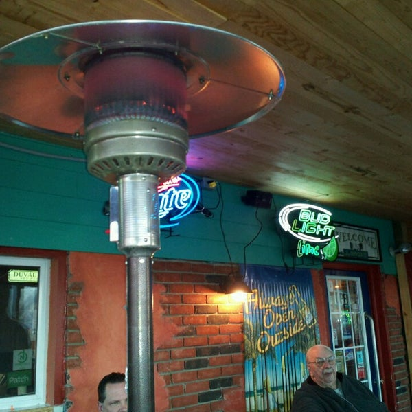 Eadies fish house grill pub 23 tips for Elite fish house