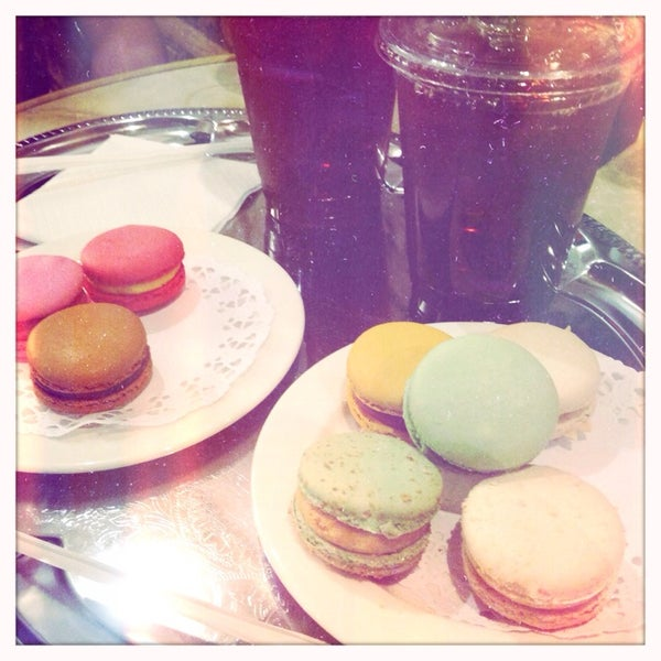 Photo taken at La Maison du Macaron by jenni on 5/6/2014