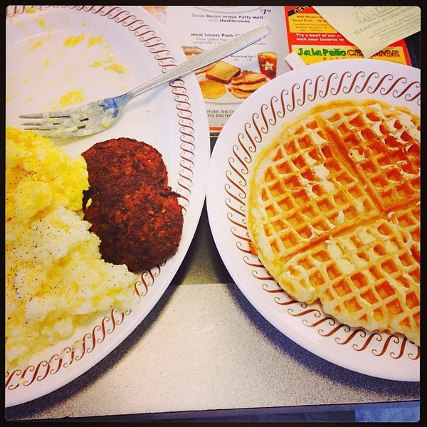 Photo taken at Waffle House by Dare J. on 4/19/2014