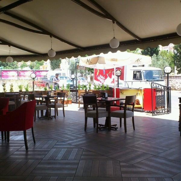 7/9/2013 tarihinde Mustafa D.ziyaretçi tarafından Lotus Cafe Restaurant'de çekilen fotoğraf