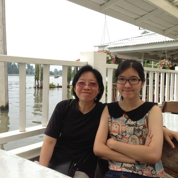 Photo taken at บ้านชมวิว (Baan Chom View) by Viboon K. on 12/30/2012