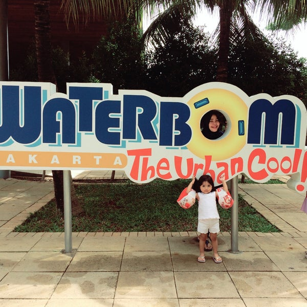 Photo taken at Waterbom Jakarta by Rini S. on 1/7/2017