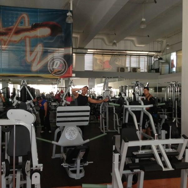 Dx gym el rosario gimnasio centro de fitness en u h el for Rosario fitness gimnasio