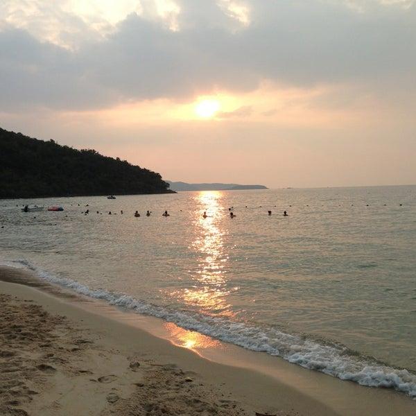 Photo taken at หาดทรายแก้ว (Sai Keaw Beach) by MC M. on 1/16/2013
