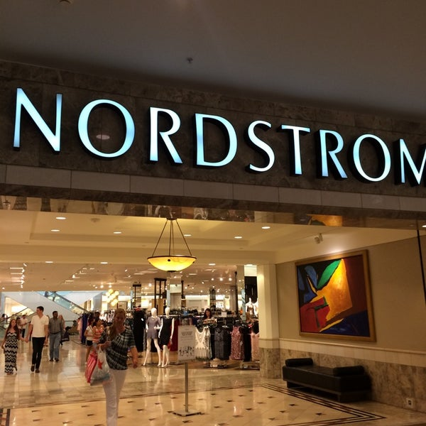 Photo taken at Nordstrom Galleria Dallas by Joe Ronaldo A. on 7/12/2014