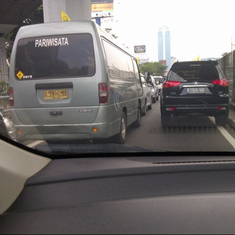 Photo taken at Perempatan Kuningan (Traffic Light) by ria w. on 10/20/2013