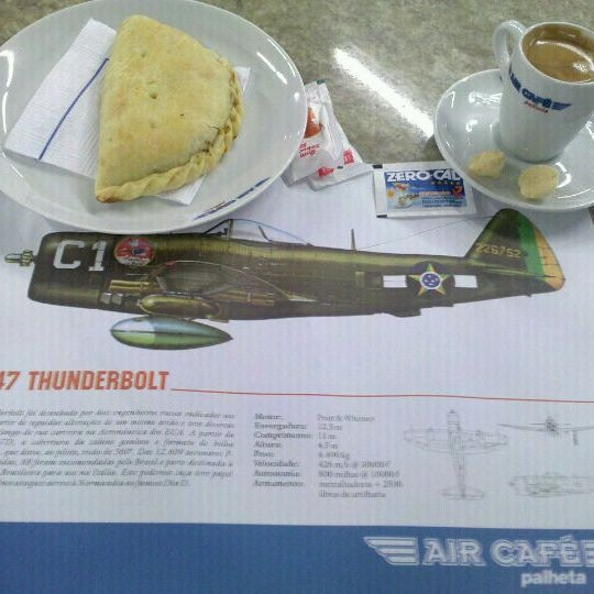 Photo taken at Air Café Palheta by Andre M. on 8/26/2011