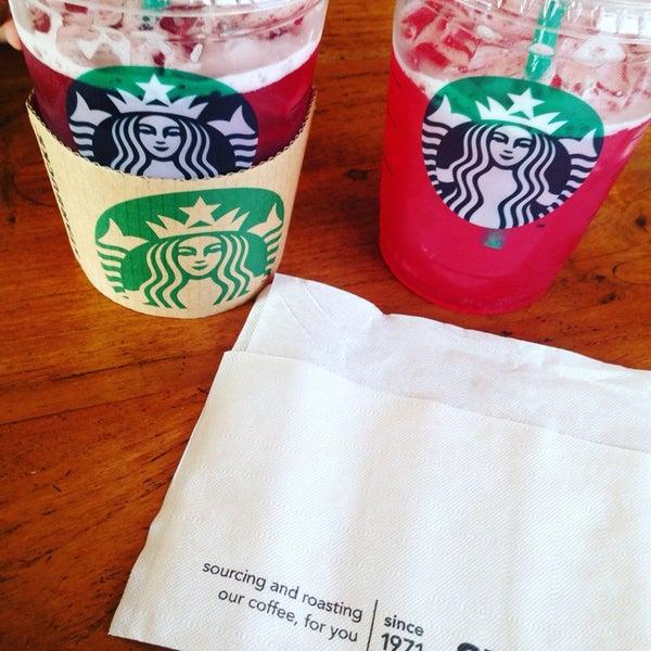 Photo taken at Starbucks by Willem H. on 10/21/2015