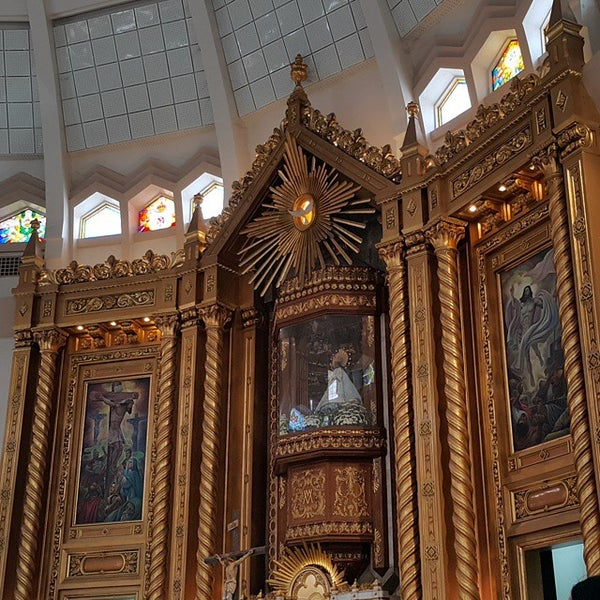 Photo taken at National Shrine of Our Lady of Peace and Good Voyage (Antipolo Cathedral) by Dax B. on 3/15/2015
