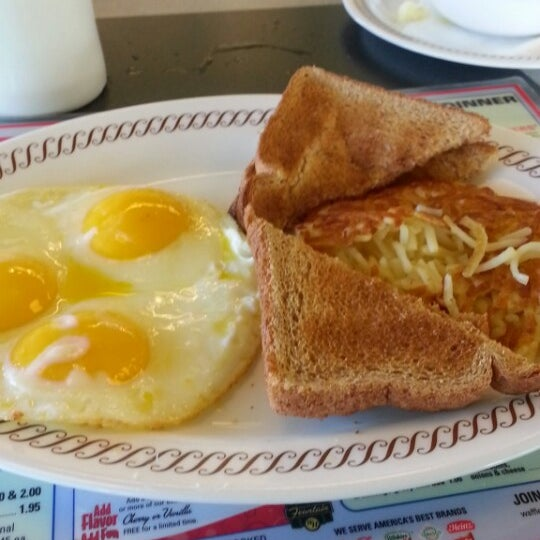 Photo taken at Waffle House by Raymond on 5/12/2013