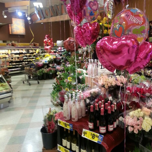 Photo taken at Kroger by Leroy J. on 2/14/2014