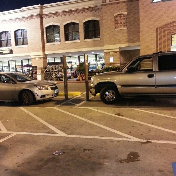 Photo taken at Kroger by Leroy J. on 3/15/2014