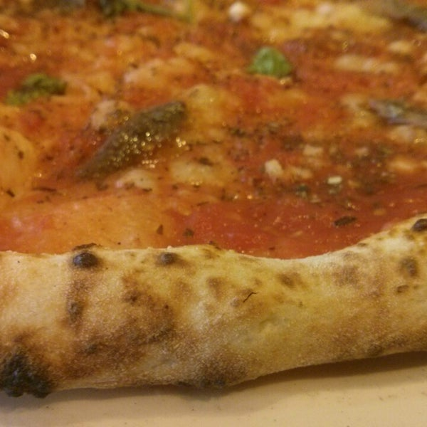 Photo taken at Franco Manca by Steve C. on 9/18/2014